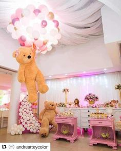 There are many ideas for your baby birthday party, balloon decorations are popular in such parties. Deco Baby Shower, Shower Bebe, Baby Shower Balloons, Girl Shower, Baby Shower Games, Baby Shower Parties, Girl Baby Shower Decorations, Balloon Decorations, Deco Buffet