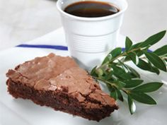 We love sweet combinations!Wet Chocolate Cake With Olive Oil!!Can you resist?