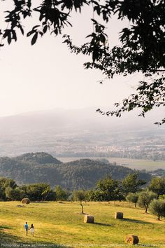 San Cresci, Mugello - Tuscany Engagement Photography by Gabriele Fani