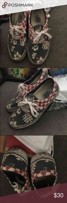 8a442af019cda8 Shop Men s Vans Red Blue size 7 Sneakers at a discounted price at Poshmark.  Description  Fairly used Van Doren Vans floral. No box. Just shoes.