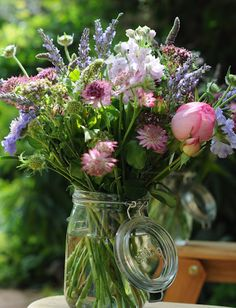 Wildflower arrangement for BBQ/ picnic