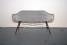 マシュー・ストロングによるイームズの名作をカーボンを使ってリデザインした椅子 (Co.Design) What Charles And Ray Eames Might Have Done With Modern Materials (Co.Design)