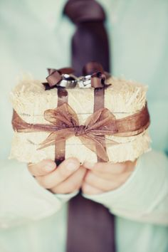 Hay Stack Ring Pillow | Stephanie Sunderland Photography | TheKnot.com