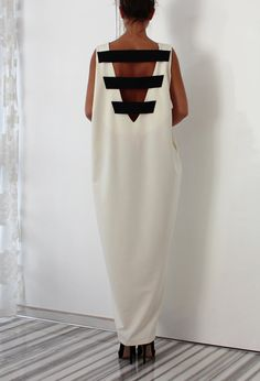 White Maxi dress/ Oversized dress/ Caftan/ Casual dress/ White summer dress/ Backless dress/ Black and White dress
