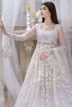 Pakistani Formal Dresses, Pakistani Wedding Outfits, Indian Gowns Dresses, Pakistani Dress Design, Bridal Outfits, Wedding Dresses, Fancy Dress Design, Stylish Dress Designs, Bridal Dress Design