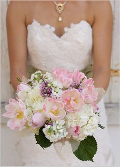 Perfect pink bouquet! Photo by Foxtale Photography #pinkbouquet #bridalbouquet #bride