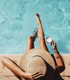 Pool life.. Take a look at our new shade collection at www.jusoflondon.com ☀️