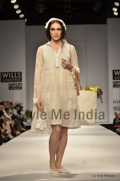 Aneeth Arora collection at Wills Lifestyle India Fashion Week Spring- Summer 2013   (24)