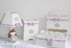 Kit MDF com tema menina princesa <br>Pode ser feito em outra cor e tema. <br>As peças podem ser vendidas separadamente. <br>Consulte nossos preços! Peça seu orçamento!