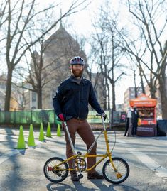 dahon getaway 5 bike portrait greenpoint brooklyn