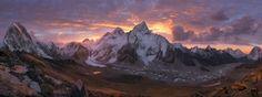 Khumbu valley by IÑIGO CIA