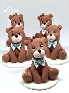 Baby bears fondant cupcake decorations by Tamara