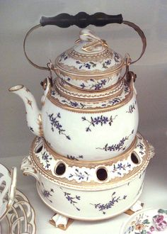 Boiler, hard-paste porcelain, Manufacture de Monsieur, 1780.