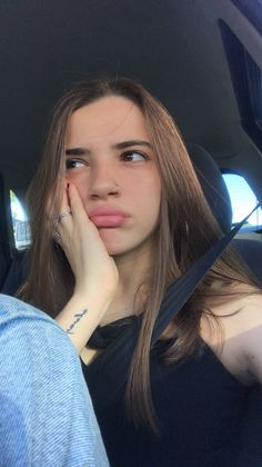 People Tumblr, Billie Eilish, Youtubers, Cool Photos, Crushes, Poses, Wallpapers, Girls, Tumblr Photography