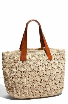Mar y Sol 'Valencia' Crocheted Raffia Tote Wardrobe Staple: The Straw Bag This post was discovered by Gü Through the new fashion ideas everyday, designers can create a very big variety of styles and designs of bags with just a simple crochet hook. Crochet Tote, Crochet Handbags, Crochet Purses, My Bags, Purses And Bags, Diy Sac, Cute Bags, Knitted Bags, Crochet Accessories