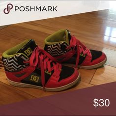 DC SHOES SIZE 7 women's Great shoes for dance . No lowball offers . DC Shoes Athletic Shoes