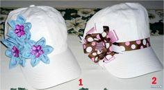 gorras decoradas con cinta - Buscar con Google Crochet Beret, Baby Sewing Projects, Craft Gifts, Fabric Flowers, Caps Hats, Headbands, Baseball Hats, Girly, Diy Crafts