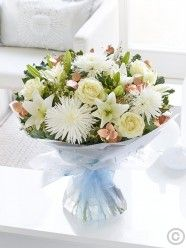 Winter Snowflake Hand-tied With Chocolates Christmas Flower Delivery, Best Flower Delivery, Online Flower Delivery, Flower Delivery Service, Christmas Flowers, Winter Flowers, Valentines Flowers, Mothers Day Flowers, Anniversary Flowers