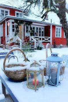 Country Christmas, White Christmas, Vintage Christmas, Christmas Inspiration, Homeland, Lanterns, Anna, Merry, Lily