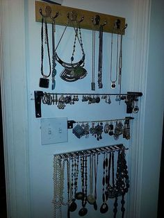 Displaying Jewelry~ I love having easy access to my earrings