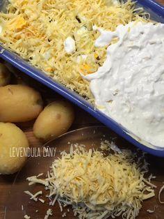 Ezentúl tuti így eszed a rakott krumplit! – Smuczer Hanna Hungarian Recipes, Coconut Flakes, Grains, Spices, Food And Drink, Image, Blog, Gastronomia, Essen