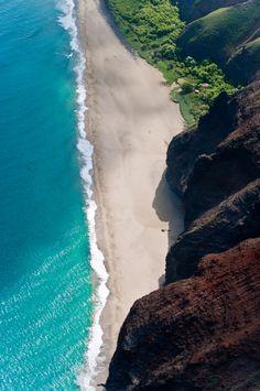 Kauai, Hawaii---have a photo of us on this beach ---the rock wall is straight up & toweringly tall! Vacation Destinations, Dream Vacations, Vacation Spots, Kauai Vacation, Vacation Travel, Italy Vacation, Kauai Hawaii, Oahu, Hawaii Usa