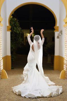 Wedding Dresses With Sleeves Satin .Wedding Dresses With Sleeves Satin Rustic Wedding Dresses, Princess Wedding Dresses, Best Wedding Dresses, Boho Wedding Dress, Wedding Suits, Modest Wedding, Mermaid Wedding, Lace Wedding, Flamenco Wedding