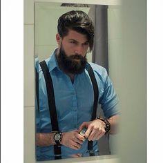 Buen fin de semana barbudos, no olvides aplicarte The Bearded Man COmpany y a lucir!! #barber #beard #beardededman #barba # barbudos #moustache #bigote