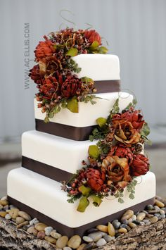 Sioux Falls, SD Wedding Cake