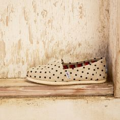 Go natural with hemp Classics. These polka dot TOMS are an easy way to jazz up a simple outfit.