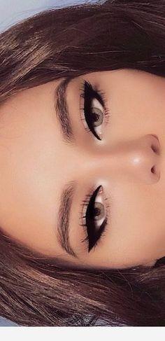 Eyeliner for blue eyes - Make Up Tips & How . - Eyeliner for blue eyes up – Make Up Tips & How … - Day Makeup, Cute Makeup, Makeup Inspo, Makeup Inspiration, Witch Makeup, Beauty Makeup, Pin Up Makeup, Barbie Makeup, Casual Makeup