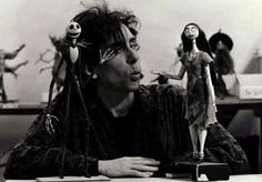 Le film est basé sur un poème écrit en 1982 par Tim Burton alors qu'il travaillait en tant qu'animateur pour les studios Disney