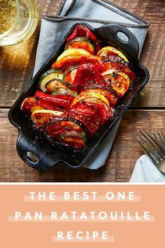 Easy One-Pan Ratatouille - Vegetable Recipes Vegetable Recipes, Vegetarian Recipes, Cooking Recipes, Healthy Recipes, Vegetable Tart, Keto Recipes, Clean Eating Snacks, Healthy Eating, Tartiflette Recipe