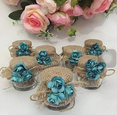 Baby Shower Souvenirs, Baby Shower Favors, Baby Shower Parties, Baby Food Jar Crafts, Baby Food Jars, Wedding Favours, Wedding Gifts, Paper Flowers, Diy Gifts