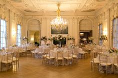 This Newport, Rhode Island wedding from Details with Love and Christian Oth Studio is full of the most glamorous details like a Carolina Herrera wedding dress, the Rosecliff Mansion setting, calligrap. Wedding Dress Separates, Event Planning Tips, Luxury Wedding Dress, Luxe Wedding, Glamorous Wedding, Wedding Pinterest, Newport, French Vintage, Wedding Venues