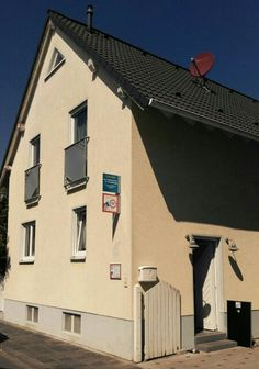 Eingang zur Hanauer Barf Oase