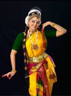 Latest photos of South actress Manju Warrier - Photo gallery of Manju Warrier including Manju Warrier latest movie stills, latest event premiere show photos and Images,Manju Warrier new photoshoot pictures and more pics Dance Images, Dance Pictures, Folk Dance, Dance Art, Indian Classical Dance, Dance Paintings, Dance Poses, Bollywood, Dance Photography