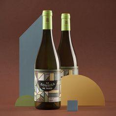 Madrid-based studio Neosbrand has created the packaging for winery Dominio de Tares' new wine, La Sonrisa de Tares.