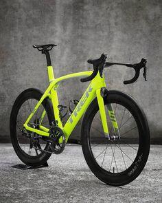 """Mi piace"": 3,380, commenti: 25 - George Wadsworth (@bikesofbeauty) su Instagram: ""#Repost @onlybike_ ・・・ #Trek #carbonfiber #madone #duraace #aero #cycling #bontrager #cyclingpics…"""