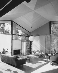 SHULMAN, JULIUS (1910-2009) [Booth House, Bevery Hills, Los Angeles, CA. 1956. Smith & Williams architects].