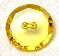 ANTIQUE 1930'S YELLOW DEPRESSION GLASS BUTTON w/CUT & FACETED RIM