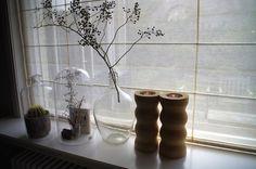 Tips om je vensterbank te stylen lees je op www.dewemelaer.nl!