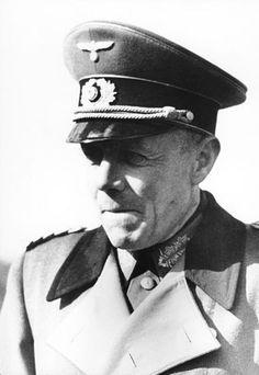 Ludwig Beck (Biebrich, Wiesbaden, Hesse; 29 de junio de 1880 – Berlín, 20 de julio de 1944) fue un coronel general (Generaloberst) alemán, y Jefe del Estado Mayor del Ejército Alemán durante los primeros años del régimen nazi. En los primeros años de éste apoyó a Hitler en su denuncia del Tratado de Versalles y el rearme alemán. Muy pronto tuvo serías dudas. Fue paulatinamente desilusionándose y dimitió en Agosto de 1938