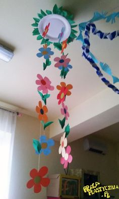 Ceiling Decor, Creative Kids, Crafts For Kids, Activities, Design, Early Education, Preschool Learning Activities, Spring, Manualidades