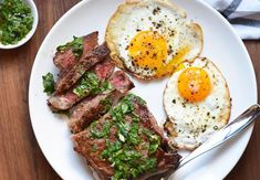 Steak and eggs are a quick and easy protein-packed brunch that feels like a real treat. Make it for your next low-carb brunch or power-up breakfast. Breakfast Nachos, Egg Recipes For Breakfast, Paleo Breakfast, Brunch Recipes, Breakfast Ideas, Breakfast Steak And Eggs, Dinner Recipes, Breakfast Sandwiches, Dinner Ideas