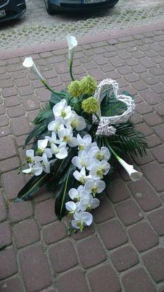 Funeral Flower Arrangements, Beautiful Flower Arrangements, Funeral Flowers, Floral Arrangements, Beautiful Flowers, Wedding Flowers, Grave Decorations, Bridal Brooch Bouquet, Black Flowers