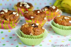 Křupavá granola s arašídovým máslem Muffin Recipes, Cupcake Recipes, Muffins Sains, Banana Oatmeal Muffins, Baking Muffins, Tasty, Yummy Food, Healthy Muffins, Vegan Dishes