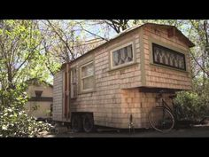 Tiny Yellow House - Sage's Gypsy Wagon (Handbuilt portable cabin/tiny home in Boston)