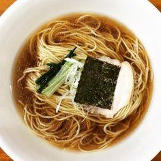 MANMARUTEI まんまるてい Soy sauce flavor ramen まる得しょうゆ  Follow us. http://nightlifejp.com www.instagram.com/nightlifejp/ www.pinterest.com/nightlifejp  #日本#北海道 #函館#japan#hokkaido #hakodate#manmarutei #まんまるてい#nightlifejp #nightlife_jp#travel#trip #travelling #travelphotography#instatravel #instatraveling #instatrip#photooftheday #follow#yummy #delicious#leisure #japantrip #japantravel#restaurant #ramen#food#lunch #dinner#👍