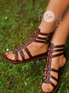 Gladiator Sandals - Need New Shoes But Don't Know Where To Begin? Boho Sandals, Cute Sandals, Shoes Sandals, Flat Sandals, Wedge Shoes, Black Leather Shoes, Brown Leather, Leather Gladiator Sandals, Expensive Shoes